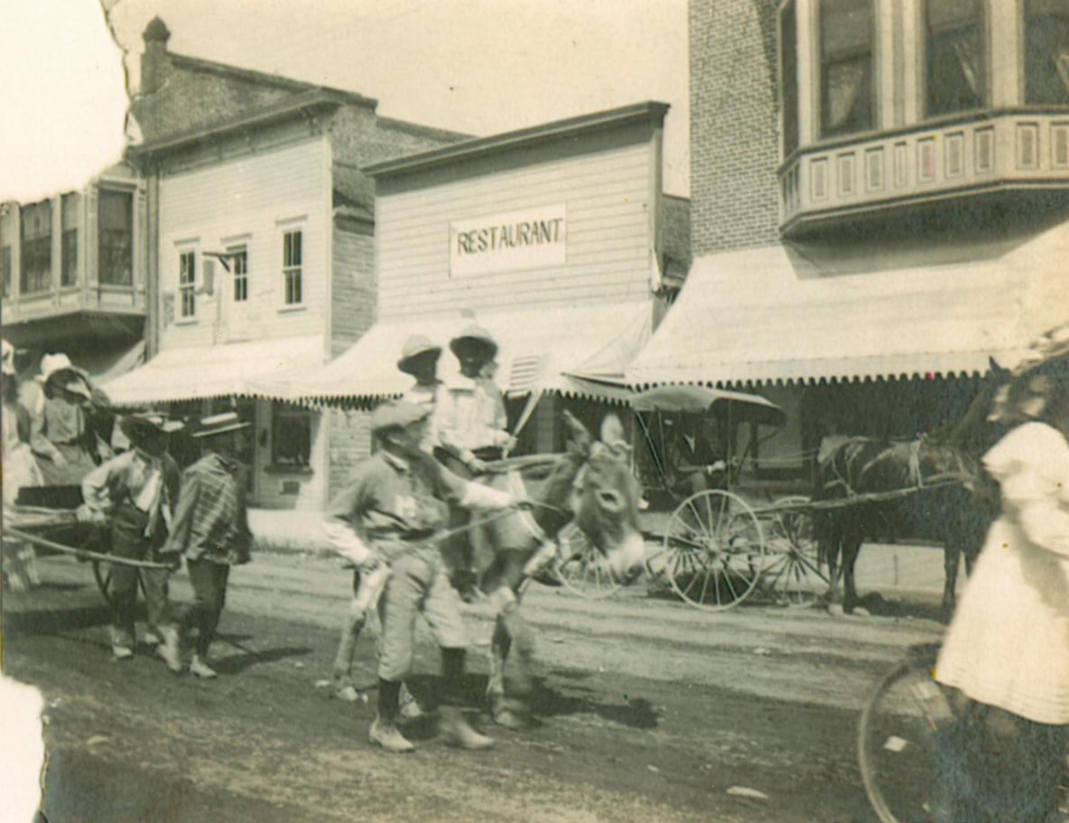 Children's Parade, East Main Street, Medford, Oregon July 4, 1904