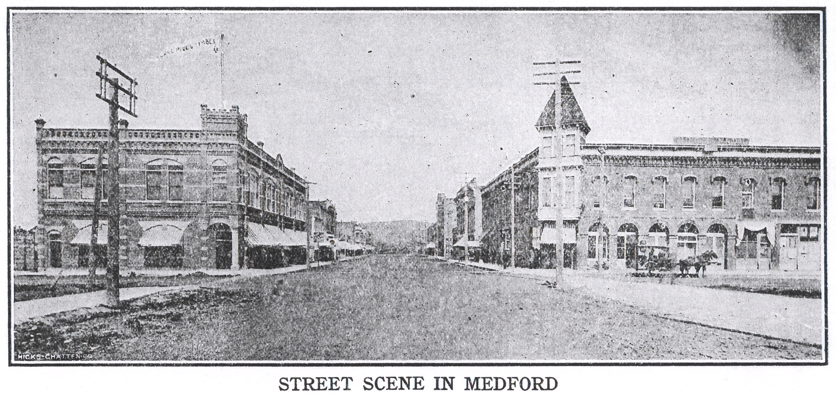 Looking east at Main and Front, 1904